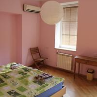 JR's House Hostel Guestroom
