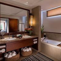 Shangri-La's Hambantotoa Resort & Spa Bathroom