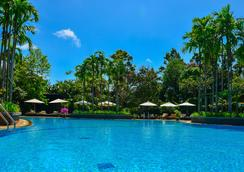 Borei Angkor Resort & Spa - เสียมเรียบ - สระว่ายน้ำ