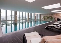 Eurostars Berlin - เบอร์ลิน - สระว่ายน้ำ