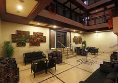 Hotel Nandan - กูวาฮาติ - ล็อบบี้