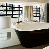Le Cinq Codet Deep Soaking Bathtub
