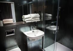 W14 Hotel - ลอนดอน - ห้องน้ำ