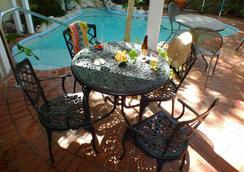 Garden House By Key West Vacation Rentals - คีย์เวสต์ - สระว่ายน้ำ