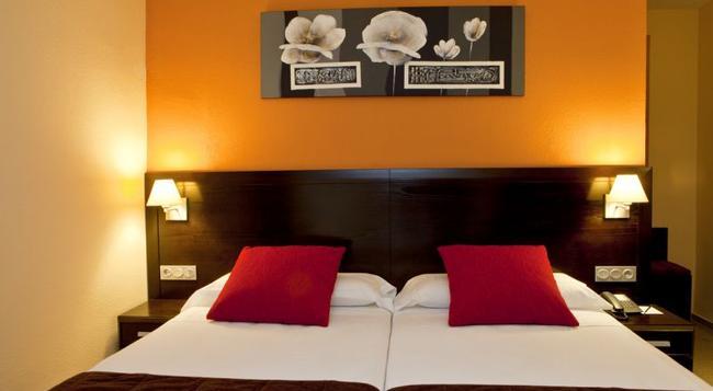 Hotel Itaca Fuengirola - Fuengirola - Bedroom