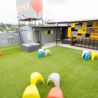 Oyes Hostel Hotel Lounge