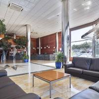Best Oasis Tropical Lobby