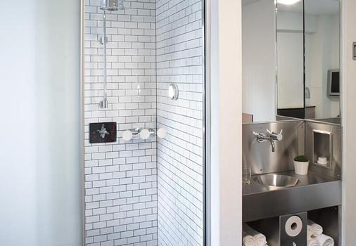 พ็อด 51 - นิวยอร์ก - ห้องน้ำ
