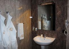 Avan Plaza - เยเรวาน - ห้องน้ำ