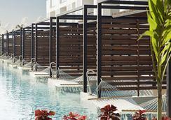 Finest Playa Mujeres by Excellence Group - แคนคูน - สระว่ายน้ำ