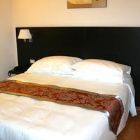 Regal Park Hotel Guestroom