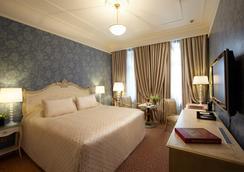 Radisson Royal Hotel, Moscow - มอสโก - ห้องนอน