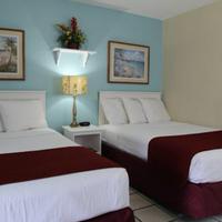 Seashell Motel & Key West Hostel Guestroom