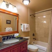 Sierra Nevada Resort & Spa Chalet Bathroom