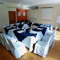 Aurea Hotel and Suites Meeting Facility