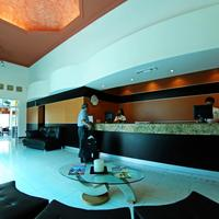 Aurea Hotel and Suites Lobby