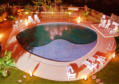Hotel Sapphire - โลนาวาลา - สระว่ายน้ำ