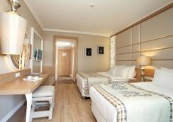 Quattro Beach Spa & Resort - อลันยา - ห้องนอน