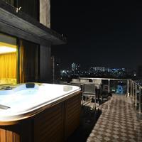 Six Seasons Hotel Outdoor jacuzzi