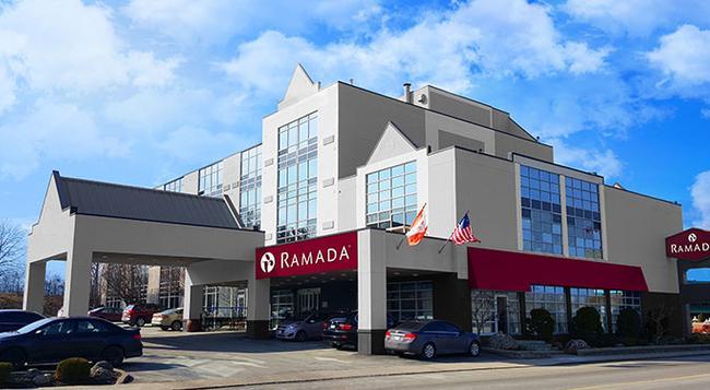 Ramada Niagara Falls by the River - Niagara Falls - Building