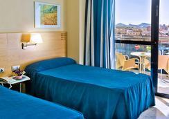 Hotel Madeira Centro - เบนิดอร์ - ห้องนอน