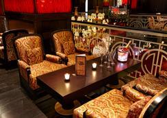 Buddha-Bar Hotel Budapest Klotild Palace - บูดาเปสต์ - บาร์