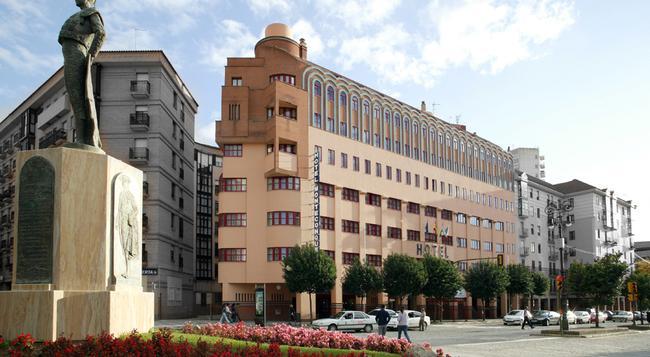 Senator Huelva - Huelva - Building