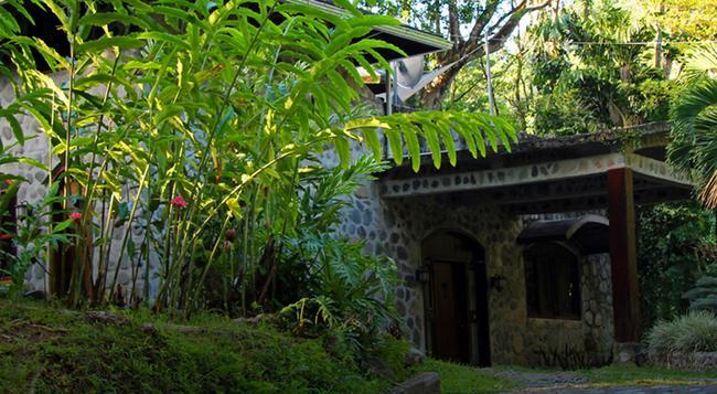 Casa Cangrejal B&B Hotel - La Ceiba - Building