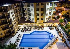 Kleopatra Royal Palm Hotel - อลันยา - สระว่ายน้ำ
