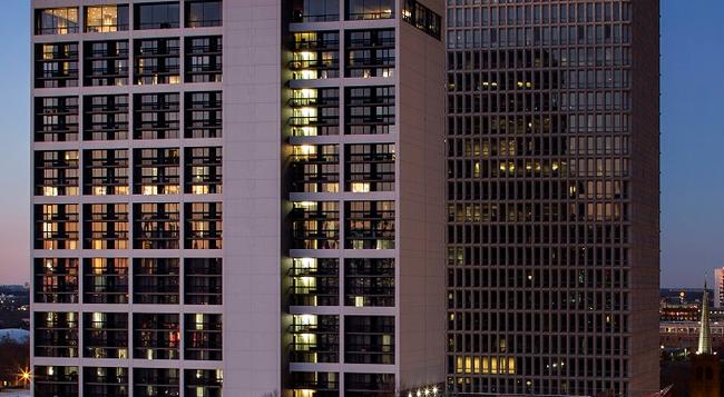 Crowne Plaza Atlanta - Midtown - Atlanta - Building
