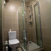 West County Hotel Bathroom