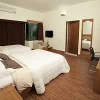 Richmond Hotel & Suites Premium Family Deluxe