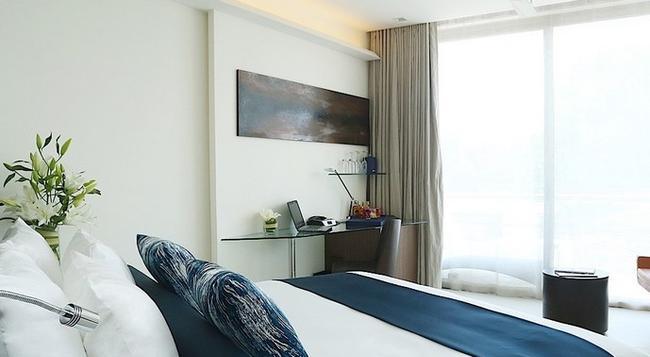 Dream Phuket Hotel & Spa - Choeng Thale - Bedroom