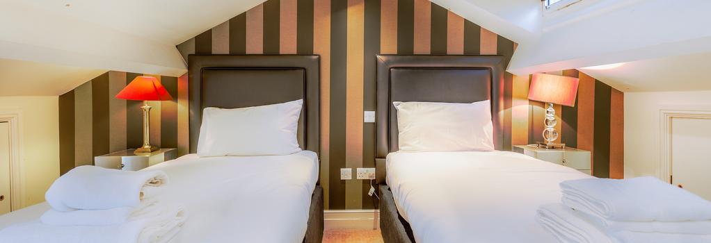 Tophams Hotel - London - Bedroom