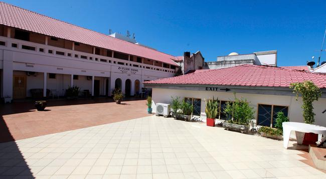 New Palm Tree Hotel - Mombasa - Building
