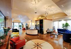 Hotel Miramare Et De La Ville - ริมินี - ล็อบบี้