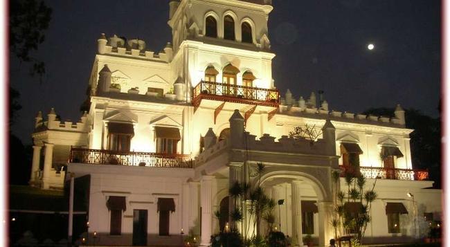 Jayamahal Palace - Bangalore - Building