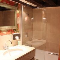 Hotel de la Bretonnerie Bathroom