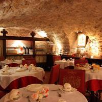Hotel de la Bretonnerie Breakfast Area