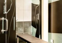 Posh South Beach Hostel, A South Beach Group Hotel - ไมอามีบีช - ห้องน้ำ