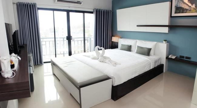 The Artist House - Patong - Bedroom