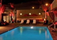 Hotel Angeleno - ลอสแอนเจลิส - สระว่ายน้ำ