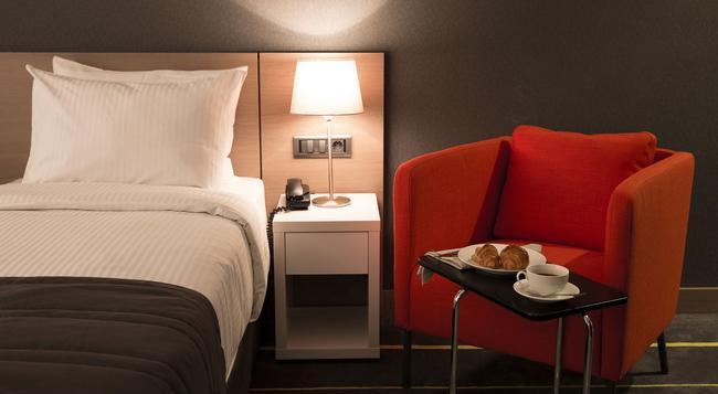 Nova Hotel Yerevan - Yerevan - Bedroom