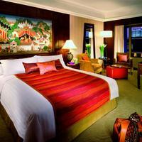 Anantara Siam Bangkok Guest room