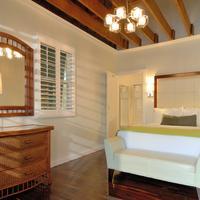Merlin Guest House - Key West Guestroom