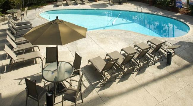 Hotel Iris - San Diego - Pool