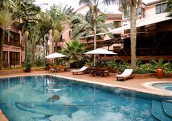 Wasini All Suite Hotel - ไนโรบี - สระว่ายน้ำ