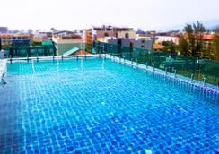 Mirage Express Patong Phuket Hotel - ป่าตอง - สระว่ายน้ำ