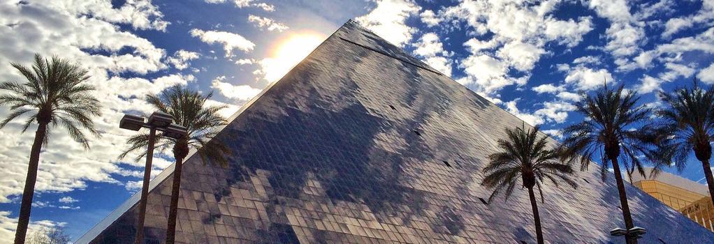 Luxor Hotel and Casino - Las Vegas - Building