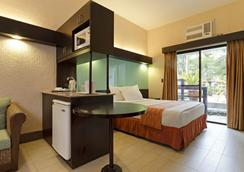 Microtel Inn & Suites by Wyndham Boracay - มาเล - ห้องนอน